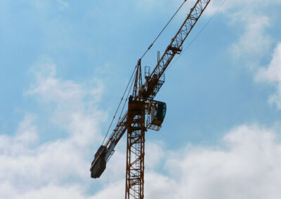 A Potain MD175B tower crane in action.